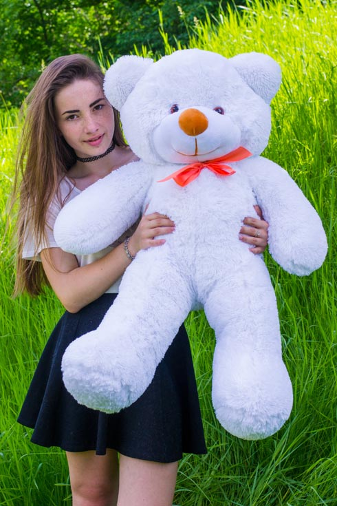 Белій метровый медведь